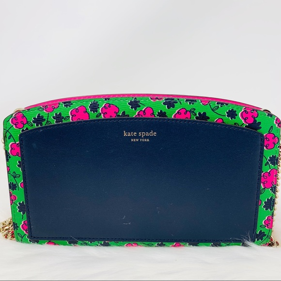kate spade Handbags - Kate spade east west crossbody Jacqueline hisbicus